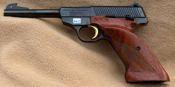 10975a3ba67 Den hed Woodsman og blev fremstillet af Colt indtil omkring 1970. Det er  denne konstruktion, der er fremstillet en lang række varianter over.